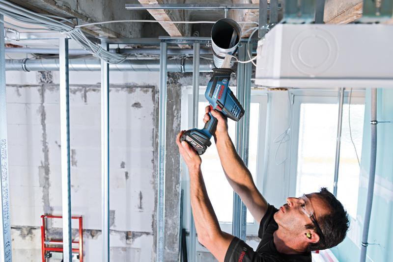 Bosch Professional Scie sabre sans fil GSA 18 V-LI C dans une L-BOXX avec ...
